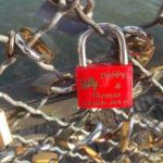 Trauriges Erlebnis auf der Liebesschloss Brücke in Paris