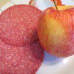 Apfel oder Salami was hat mehr Vitamin C