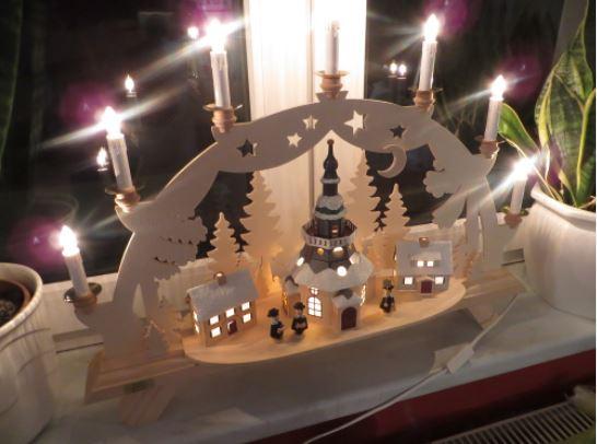 Erzgebirgische Volkskunst Schwibbogen Motiv Kirche Seiffen