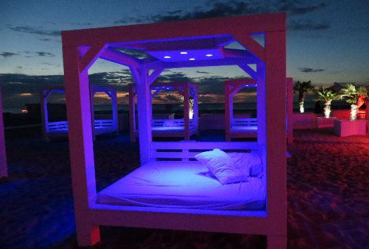 schusters-strandbar-relaxbetten