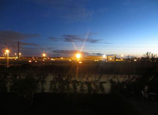 Blick von der Feuertreppe des Ciampino Hotels auf den Flughafen Ciampino