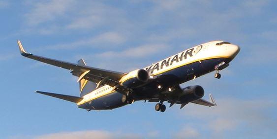 Anflug eine Ryanair Maschine auf den Flughafen Ciampino