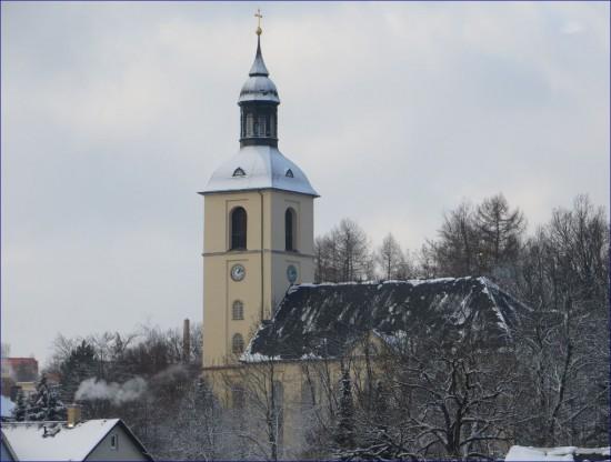 erster Schnee in Thalheim  am zweiten Weihnachtstag. Schnee auf den Kirchturm