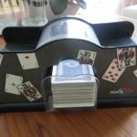 Elektrische Kartenmischmaschine im Test