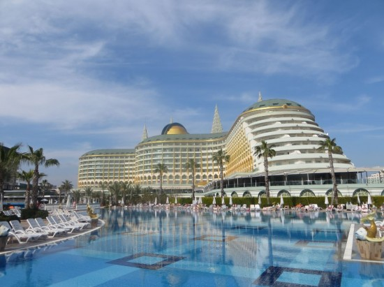 Delphin Imperial mit Pool