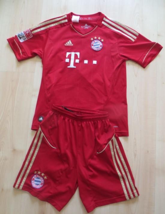 Bayern München Trikot und Hose für Kinder Gr. 152