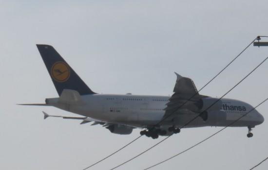 Landeanflug auf LAX . Der Lufthansas A380 aus FRA