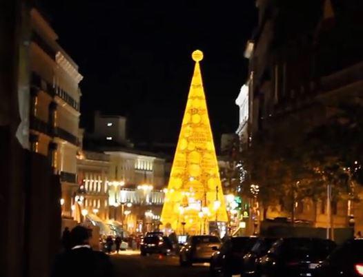 Weihnachtsbeleuchtung in der spanischen Hauptstadt Madrid